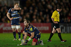 Worcester Fly-Half (#10) Andy Goode places the ball for a penalty attempt during the first half of the match - Photo mandatory by-line: Rogan Thomson/JMP - Tel: Mobile: 07966 386802 04/01/2012 - SPORT - RUGBY - Sixways - Worcester. Worcester Warriors v Leicester Tigers - Aviva Premiership.
