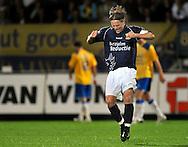 22-08-2008: Voetbal: RKC WAALWIJK:GO AHEAD EAGLES:WAALWIJK <br /> Een belangrijk doelpunt van Sander Post weet ook Jordy Zuidam en viert dit in zijn eentje<br /> Foto: Geert van Erven