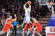 Eurocup 2015-2016 Last 32 Group N Dinamo Banco di Sardegna Sassari - Szolnoki Olaj <br /> GIOCATORE : Joe Alexander<br /> CATEGORIA : Tiro Tre Punti Three Point Controcampo<br /> SQUADRA : Dinamo Banco di Sardegna Sassari<br /> EVENTO : Eurocup 2015-2016 GARA : Dinamo Banco di Sardegna Sassari - Szolnoki Olaj <br /> DATA : 03/02/2016 <br /> SPORT : Pallacanestro <br /> AUTORE : Agenzia Ciamillo-Castoria/C.Atzori
