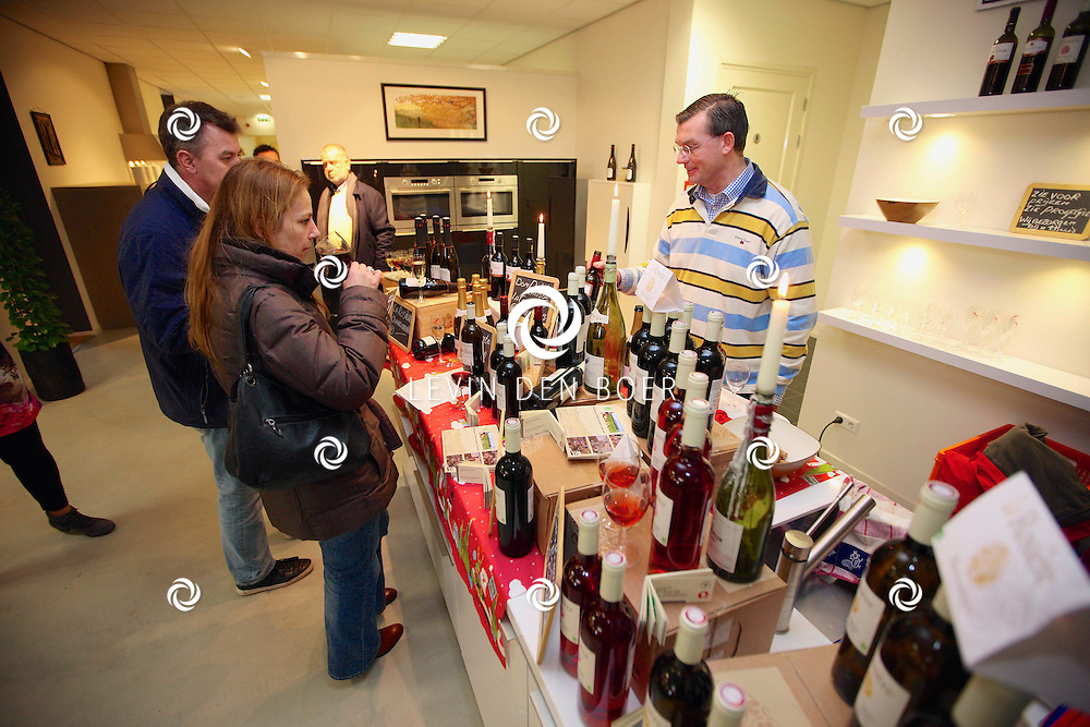 ZALTBOMMEL - Open Dag bij Vebe Keukens Zaltbommel in hun nieuwe showroom op het vernieuwde industrie terrein De Wildeman. FOTO LEVIN DEN BOER - PERSFOTO.NU