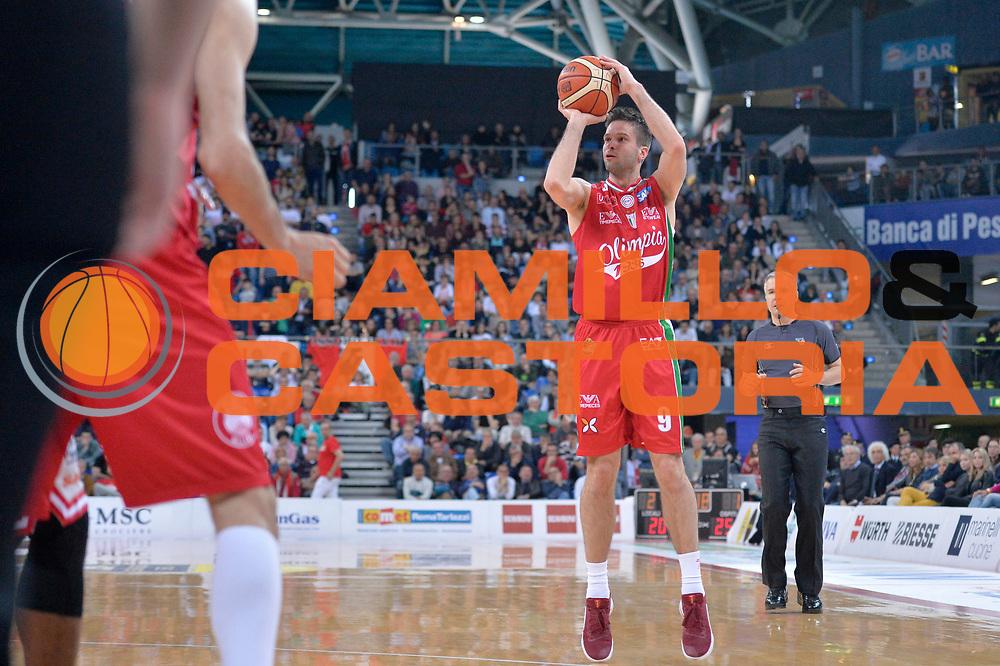 Mantas Kalnietis<br /> Consultinvest Victoria Libertas Pesaro - EA7 Emporio Armani Olimpia MIlano<br /> Lega Basket Serie A 2016/2017<br /> Pesaro, 30/04/2017<br /> Foto M.Ceretti / Ciamillo - Castoria