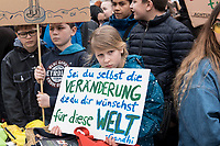 "22 MAR 2019, BERLIN/GERMANY:<br /> Kinder, Schueler und Jugendliche demonstrieren bei einer Demo ""Fridays for Future"" fuer mehr Klimaschutz, Invalidenpark<br /> IMAGE: 20190322-01-011<br /> KEYWORDS: Demonstration, Protest, portester, Youth, Clima, climate change, Demonstranten, Klimarettung, Demo, Schulstreik, Streik, Schüler, Klimawandel."