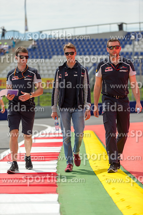 30.06.2016, Red Bull Ring, Spielberg, AUT, FIA, Formel 1, Grosser Preis von Österreich, Vorberichte, im Bild Daniil Kvyat (RUS) Scuderia Toro Rosso // Russian Formula One driver Daniil Kvyat of Scuderia Toro Rosso during the Preparation for the Austrian Formula One Grand Prix at the Red Bull Ring in Spielberg, Austria on 2016/06/30. EXPA Pictures © 2016, PhotoCredit: EXPA/ Dominik Angerer