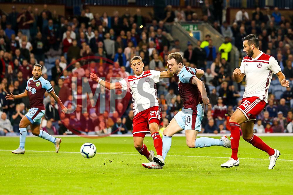 Ashley Barnes of Burnley shoots at goal - Mandatory by-line: Robbie Stephenson/JMP - 30/08/2018 - FOOTBALL - Turf Moor - Burnley, England - Burnley v Olympiakos - UEFA Europa League Play-offs second leg