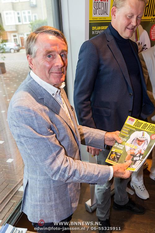NLD/Amsterdam/20180614 - Doop rondvaartboot Jan Janssen, overhandiging 1e exemplaar aan Hennie Kuiper
