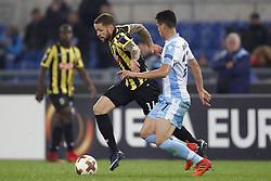 (L-R) Luc Castaignos of Vitesse, Luis Felipe Ramos Marchi of SS Lazio during the UEFA Europa League group K match between SS Lazio and Vitesse Arnhem at Stadio Olimpico on November 23, 2017 in Rome, Italy