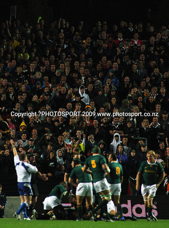 Referee Nigel Owens awards a penalty to the All Blacks.<br /> Investec Tri-Nations rugby match - All Blacks v Springboks at Rugby Park, Hamilton, New Zealand on Saturday 12 September 2009. Photo: Dave Lintott/PHOTOSPORT