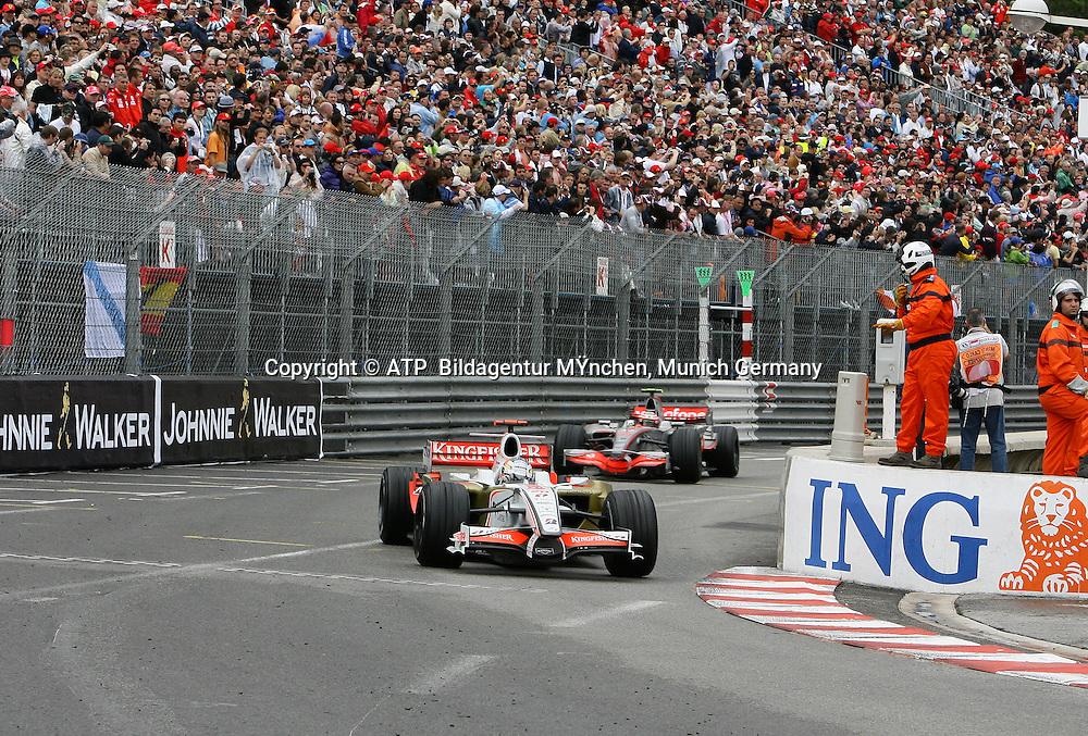 Adrian Sutil, Team Force India, Heikki Kovalainen, McLaren Mercedes. Monaco F1 Grand Prix. 25 May 2008. Photo: ATP/PHOTOSPORT