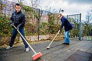AMERSFOORT - Prins Bernard brengt een verrassingsbezoek aan kinderdagcentrum Onder een dak. Ze helpt jongeren met een verstandelijke beperking. De prinses doet dit in het kader van NLdoet van het Oranje Fonds. ANP ROYAL IMAGES ROBIN UTRECHT