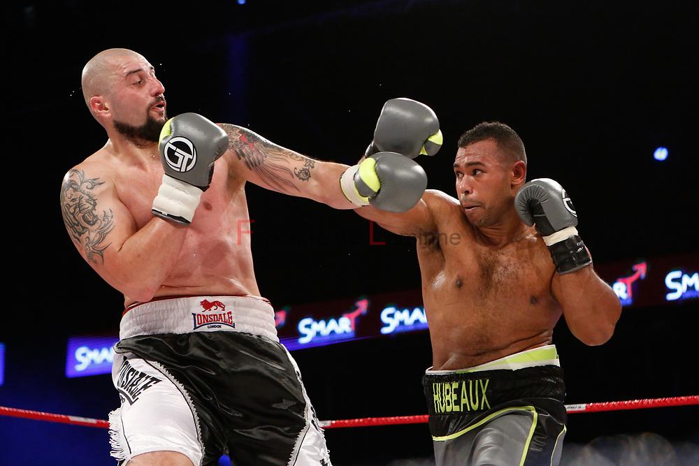Combat Hervé Hubeaux(ceinture noire) – Srdan Govedarica lors du Gala de boxe Round 5 qui s'est déroulé à Charleroi (Spiroudome) le 16/12/2017.