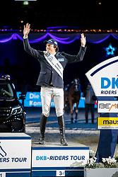KREUZER Andreas (GER)<br /> München - Munich Indoors 2018<br /> Siegerehrung<br /> Grosser Preis der Deutschen Kreditbank AG<br /> Finale DKB-Riders Tour<br /> 25. November 2018<br /> © www.sportfotos-lafrentz.de/Stefan Lafrentz