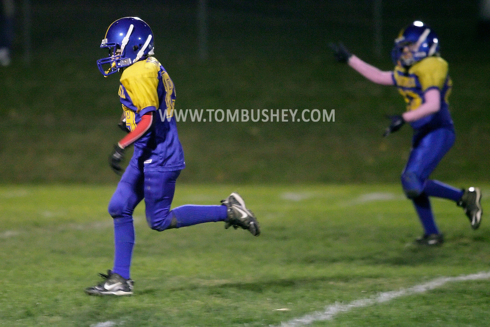 Salisbury Mills, New York - Washingtonville plays New Windsor in an Orange County Youth Football League game on Oct. 16, 2010.
