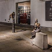 Statue in King's Road a Chelsea<br /> <br /> Statues in King's Road in Chelsea<br /> <br /> #350d #photooftheday #picoftheday #bestoftheday #instadaily #instagood #follow #followme #nofilter #everydayuk #canon #buenavistaphoto #photojournalism #flaviogilardoni <br /> <br /> #london #uk #greaterlondon #londoncity #centrallondon #cityoflondon #londonuk #visitlondon<br /> <br /> #photo #photography #photooftheday #photos #photographer #photograph #photoofday #streetphoto #photonews #amazingphoto #dailyphoto #goodphoto #myphoto #photoftheday #photogalleries #photojournalist #photolibrary #photoreportage #pressphoto #stockphoto #todaysphoto #urbanphoto
