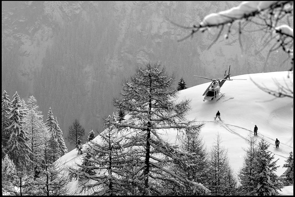Riders: Seb Michaud, Phil Meier, Stephane Dan.Location: Emosson (Switzerland)