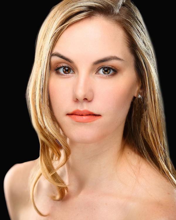 Headshot Erin Dowd
