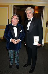 Left to right, RONNIE CORBETT and KEN FOLLETT at the Dyslexia Awards Dinner attended by HRH The Countess of Wessex held at The Dorchester Hotel, Park Lane, London on 9th November 2005.<br /><br />NON EXCLUSIVE - WORLD RIGHTS