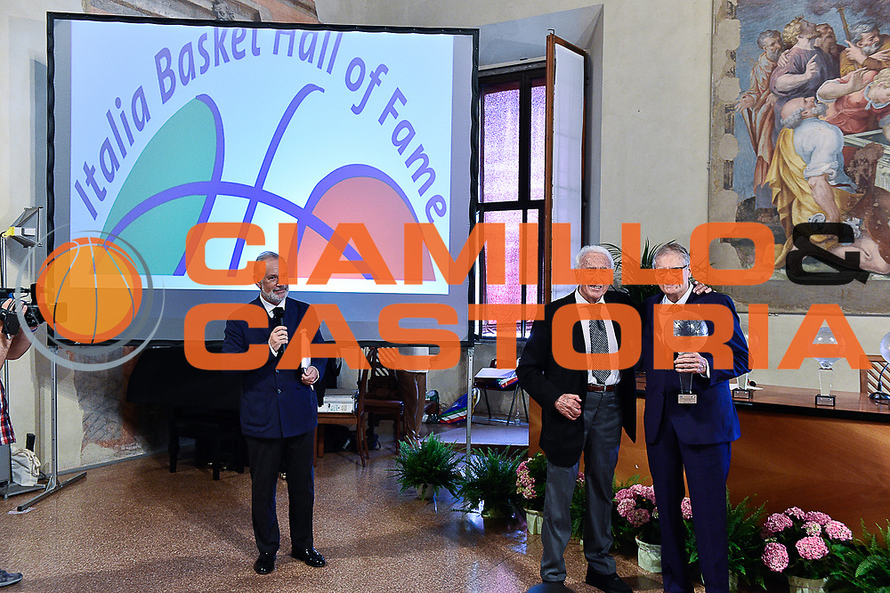 DESCRIZIONE : Bologna Basket Day Hall of Fame 2015<br /> GIOCATORE : Sandro gamba Achille canna<br /> SQUADRA : FIP Federazione Italiana Pallacanestro <br /> EVENTO : Basket Day Hall of Fame 2015<br /> GARA : Roma Basket Day Hall of Fame 2015<br /> DATA : 25/06/2016<br /> CATEGORIA : Premiazione<br /> SPORT : Pallacanestro <br /> AUTORE : Agenzia Ciamillo-Castoria/Michele Longo