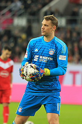 13.01.2019, Merkur Spiel Arena, Duesseldorf, GER, Telekom Cup, FC Bayern Muenchen vs Borussia Moenchengladbach, im Bild Manuel Neuer (Muenchen) mit Ball // during the Telekom Cup Match between FC Bayern Muenchen and Borussia Moenchengladbach at the Merkur Spiel Arena in Duesseldorf, Germany on 2019/01/13. EXPA Pictures © 2019, PhotoCredit: EXPA/ Eibner-Pressefoto/ Mario Hommes<br /> <br /> *****ATTENTION - OUT of GER*****