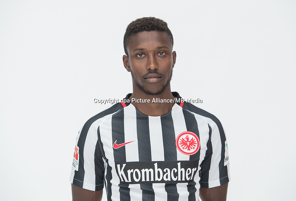 German Bundesliga - Season 2016/17 - Photocall Eintracht Frankfurt on 21 June 2016 in Frankfurt, Germany: Taleb Tawatha. Photo: Handout/Eintracht Frankfurt/Hübner/dpa | usage worldwide