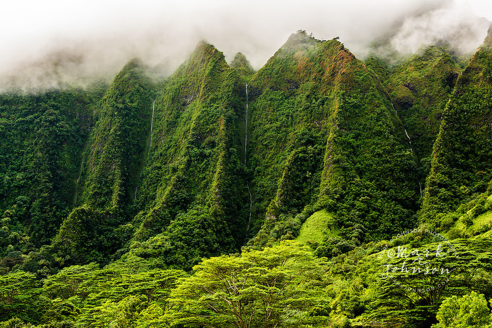 Waterfalls in the narrow valleys & vertical cliffs of the Koolau Mountains, Windward Oahu, Hawaii
