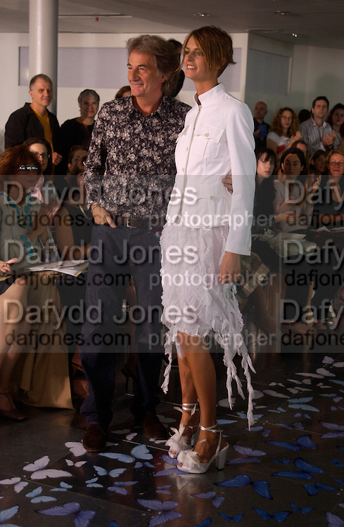 Paul Smith and Jacquetta Wheeler, , Paul Smith Fashion show, Lillie Rd. 21 September 2003. © Copyright Photograph by Dafydd Jones 66 Stockwell Park Rd. London SW9 0DA Tel 020 7733 0108 www.dafjones.com