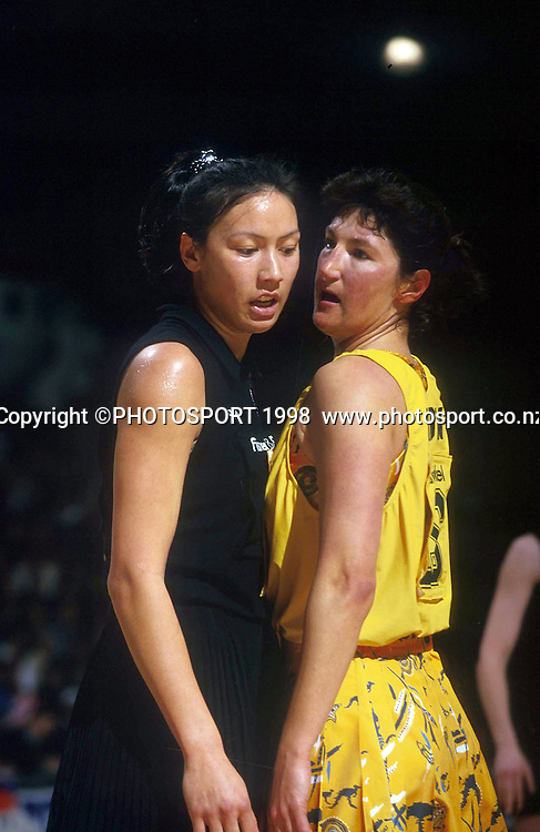 Bernice Mene and Vicki Wilson - New Zealand Silver Ferns v Australia 1998. Photo: Photosport.co.nz