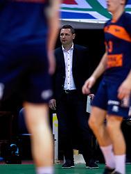 17-04-2016 NED: Play off finale Abiant Lycurgus - Seesing Personeel Orion, Groningen<br /> Abiant Lycurgus is door het oog van de naald gekropen tijdens het eerste finaleduel om het landskampioenschap. De Groningers keken in een volgepakt MartiniPlaza tegen een 0-2 achterstand aan tegen Seesing Personeel Orion, maar mede dankzij invaller Gino Naarden kwam Lycurgus langszij en pakte het de wedstrijd met 3-2 / Trainer/Coach Goran Aleksov
