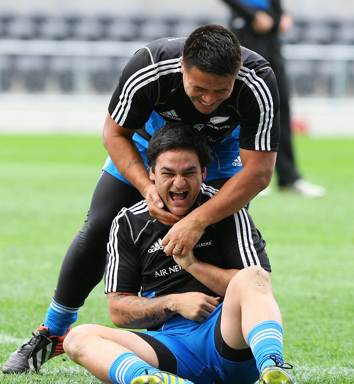 New Zealands' Piri Weepu, left, and  Keven Mealamu wrestle at the captains run for the rugby test match against South Africa, Forsyth Barr Stadium, Dunedin, New Zealand, Friday, September 14, 2012. Credit:SNPA / Dianne Mans