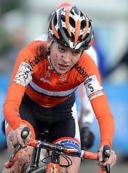01-02-2014 WIELRENNEN: UCI CYCLO-CROSS WORLD CHAMPIONSHIPS: HOOGERHEIDE <br /> WK veldrijden in Hoogerheide / Yara Kastelijn<br /> ©2014-FotoHoogendoorn.nl