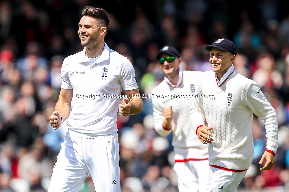 Picture by Alex Whitehead/SWpix.com - 29/05/2015 - Cricket - 2nd Investec Test: England v New Zealand, Day 1 - Headingley Cricket Ground, Leeds, England - England's Jimmy Anderson celebrates the wicket of New Zealand's Kane Williamson (caught by Jos Buttler).