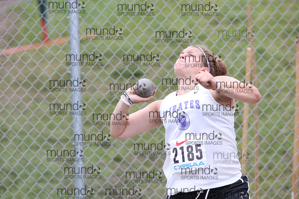 Addi Halladay of Thousand Islands SS - Brockvil competes in the junior girls shot put at the 2013 OFSAA Track and Field Championship in Oshawa Ontario, Thursday,  June 6, 2013.<br /> Mundo Sport Images / Sean Burges