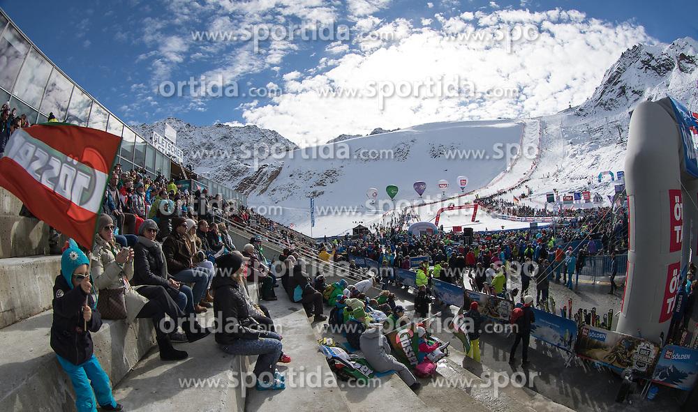 22.10.2016, Rettenbachferner, Soelden, AUT, FIS Weltcup Ski Alpin, Soelden, Riesenslalom, Damen, 2. Durchgang, im Bild Übersicht auf das Gletscherstadion // Overview of the Stadium reacts after her 2nd run of ladies Giant Slalom of the FIS Ski Alpine Worldcup opening at the Rettenbachferner in Soelden, Austria on 2016/10/22. EXPA Pictures © 2016, PhotoCredit: EXPA/ Johann Groder
