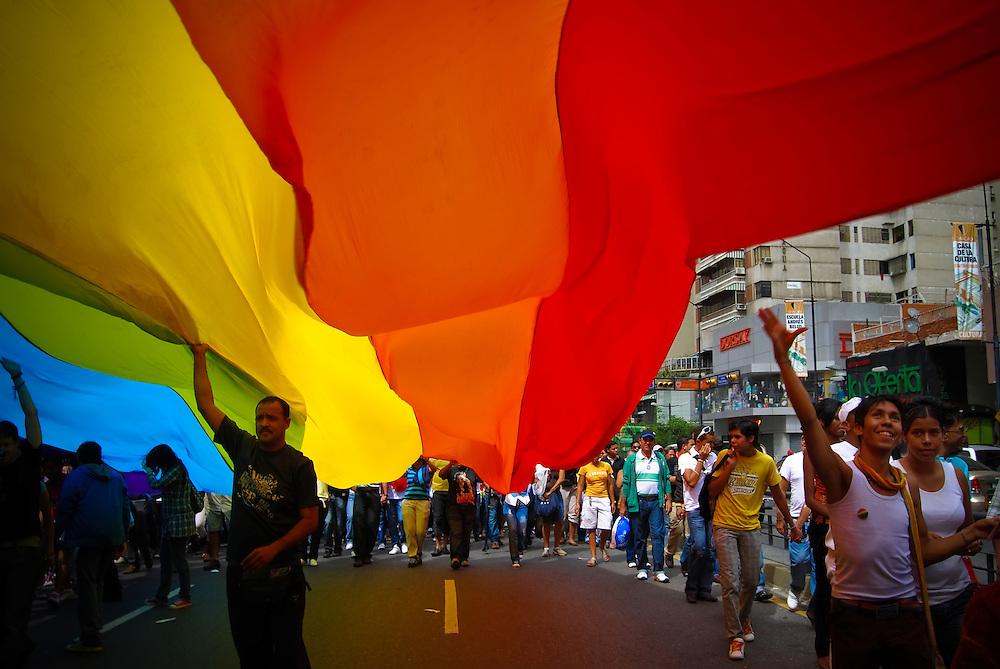 GAY PRIDE MARCH / MARCHA DEL ORGULLO GAY<br /> Photography by Aaron Sosa<br /> Caracas - Venezuela 2009<br /> (Copyright © Aaron Sosa