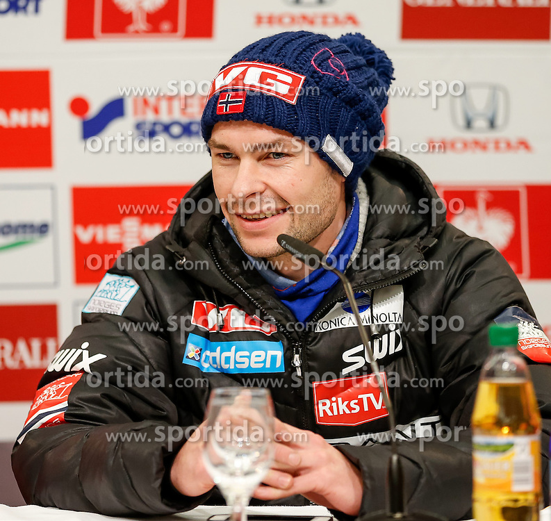 27.12.2013, Oberstdorf Haus, Oberstdorf, GER, FIS Ski Sprung Weltcup, 62. Vierschanzentournee, Offizielle Pressekonfernz, im Bild Anders Jacobsen (NOR) // Anders Jacobsen of Norway during official Press Conference of 62th Four Hills Tournament of FIS Ski Jumping World Cup at the Oberstdorf Haus, Oberstdorf, Germany on 2013/12/27. EXPA Pictures © 2013, PhotoCredit: EXPA/ Peter Rinderer