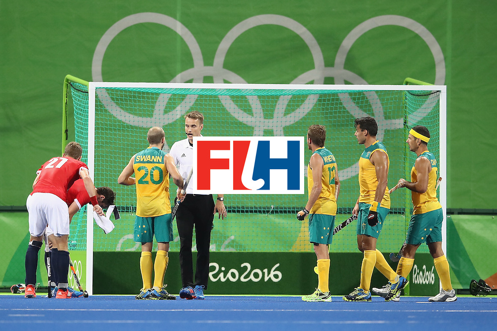 RIO DE JANEIRO, BRAZIL - AUGUST 10: Matthew Swann of Australia makes his point to the umpire during the men's pool A match between Great Britain and Australia on Day 5 of the Rio 2016 Olympic Games at the Olympic Hockey Centre on August 10, 2016 in Rio de Janeiro, Brazil.  (Photo by Mark Kolbe/Getty Images)