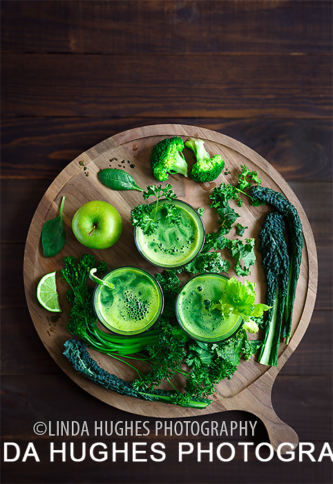 Healthy Raw Green Juices with Ingredients