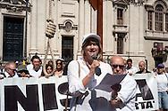 Roma 26 Giugno 2011.Manifestazione promossa dal Gruppo Carceri di Radicali Italiani, per denunciare le condizioni di tortura a cui sono quotidianamente sottoposte le migliaia di reclusi negli istituti di pena italiani,e ricordare la tragedia degli ottocento morti in carcere dal 2002  a oggi in occasione della Giornata internazionale Onu contro la tortura, a Piazza Navona. La manifestazione si svolge sotto una forca. La deputata Radicale Rita Bernardini