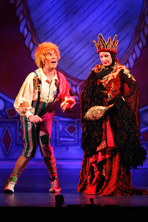 Snow White at The Kings - Photo Essay<br /> Gavin Mitchell and Muddles and Barbara Rafferty as the Wicked Queen, Gavin's former role