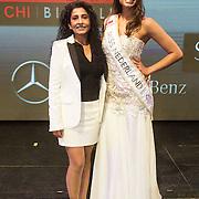 NLD/Hilversum/20131208 - Miss Nederland finale 2013, Miss Nederland Universe Tatjana Maul met haar moeder