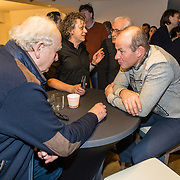 NLD/Amsterdam/20171207 - Perspresentatie Vrienden van Andere Tijden Sport 2017, Henk Angenent in gesprek