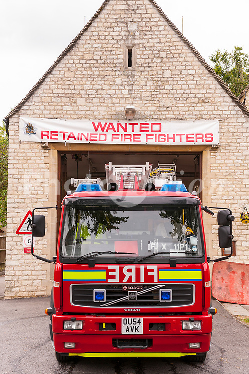 Retained Fire Fighters wanted at the pretty Cotswold town of  Burford , Oxfordshire , England , Britain , Uk
