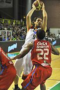 DESCRIZIONE : Casale Monferrato Lega A 2011-12 Novipiu Casale Monferrato Acea Roma<br /> GIOCATORE : Marco Mordente<br /> SQUADRA :  Acea Roma<br /> EVENTO : Campionato Lega A 2011-2012<br /> GARA : Novipiu Casale Monferrato Acea Roma<br /> DATA : 08/01/2012<br /> CATEGORIA : Penetrazione Tiro<br /> SPORT : Pallacanestro <br /> AUTORE : Agenzia Ciamillo-Castoria/ L.Goria<br /> Galleria : Lega Basket A 2011-2012<br /> Fotonotizia : Casale Monferrato Lega A 2011-12 Novipiu Casale Monferrato Acea Roma<br /> Predefinita :