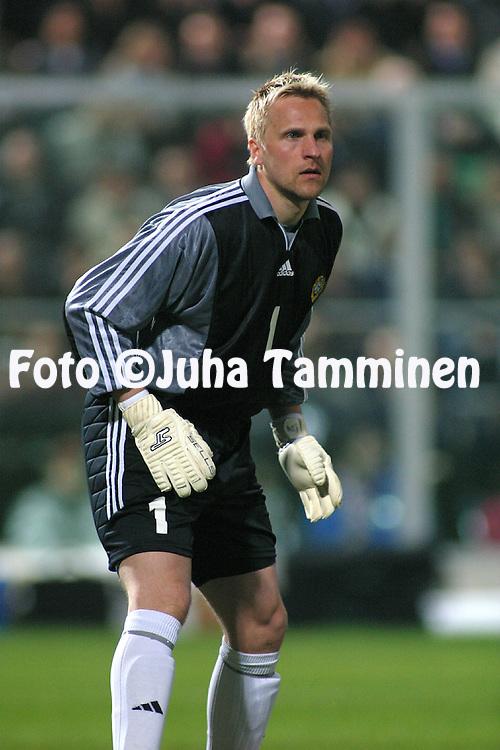 29.03.2003, Stadio Renzo Barbera, Palermo, Italy..UEFA European Championship 2004 Qualifying match, Group 9, Italy v Finland..Antti Niemi - Finland.©Juha Tamminen
