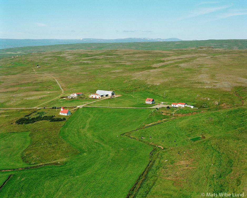 Kvennabrekka s&eacute;&eth; til vesturs, Kirkjusk&oacute;gur ey&eth;ij&ouml;r&eth; &iacute; bakgrunni t.v. Dalabygg&eth; &aacute;&eth;ur  Mi&eth;dalahreppur /<br /> Kvennabrekka viewing west,  Kirkjuskogur deserted farm in background left at the enda of the road. Dalabyggd former Middalahreppur