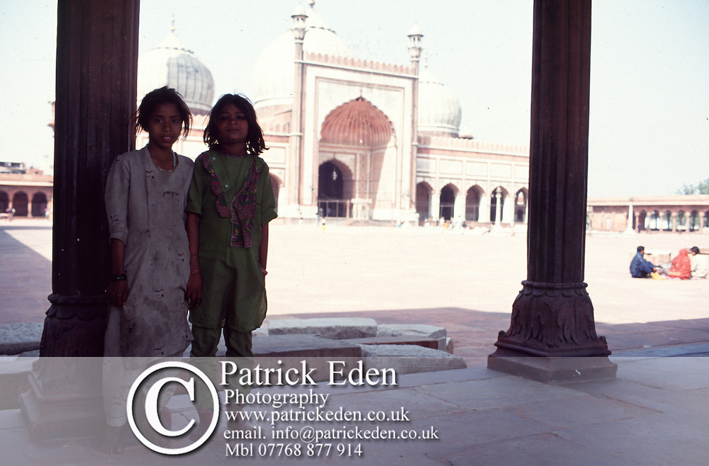 Poor children Jama Masjid Old Delhi India © Patrick Eden