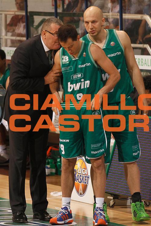 DESCRIZIONE : Siena Lega A 2010-11 Semifinale Play off Gara 1 Montepaschi Siena Benetton Treviso<br /> GIOCATORE : Jasmin Repesa Massimo Bulleri Greg Brunner<br /> SQUADRA : Benetton Treviso<br /> EVENTO : Campionato Lega A 2010-2011<br /> GARA : Montepaschi Siena Benetton Treviso<br /> DATA : 31/05/2011<br /> CATEGORIA : coach<br /> SPORT : Pallacanestro<br /> AUTORE : Agenzia Ciamillo-Castoria/P.Lazzeroni<br /> Galleria : Lega Basket A 2010-2011<br /> Fotonotizia : Siena Lega A 2010-11  Semifinale Play off Gara 1 Montepaschi Siena Benetton Treviso<br /> Predefinita :