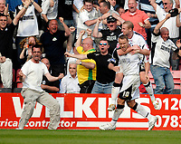 Photo: Leigh Quinnell.<br /> AFC Bournemouth v Swansea City. Coca Cola League 1. 14/04/2007. Swanseas Ian Craney helps  Lee Trundle celebrate his goal.