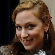 NLD/Amsterdam/20060131 - BN'er hondendiner, protest tegen gebruik proefdieren, Fabienne de Vries