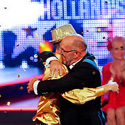 NLD/Hilversum/20100910 - Finale Holland's got Talent 2010, Elastic Double Wesley Melsen omhelst winnaar Martin Hurkens