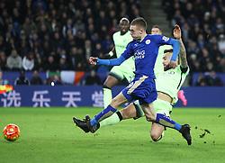 Jamie Vardy of Leicester City has a sot at goal  - Mandatory byline: Jack Phillips/JMP - 07966386802 - 29/12/2015 - SPORT - FOOTBALL - Leicester - King Power Stadium - Leicester City v Manchester City - Barclays Premier League